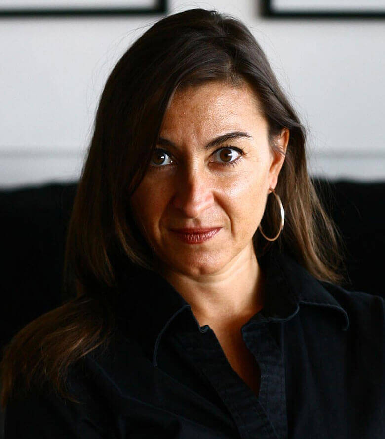 Portrait of Lynsey Addario