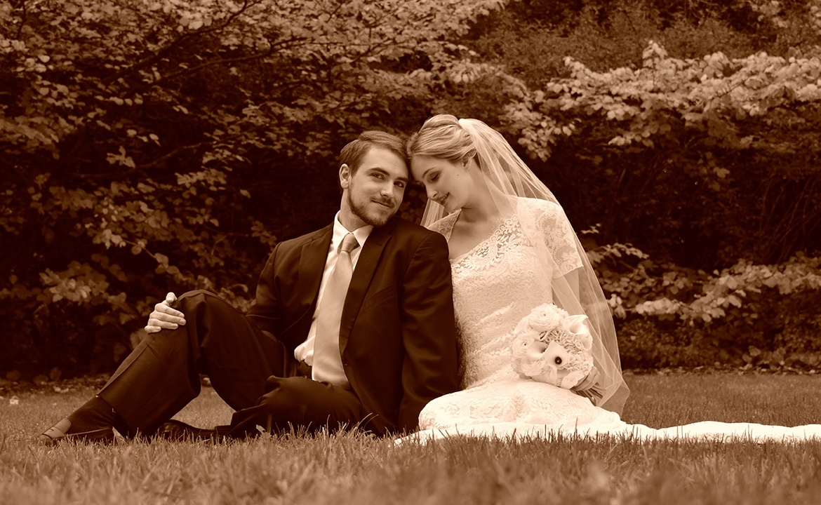 Monochrome sample photo of a bride and groom