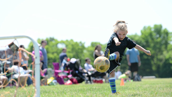 Using the Continuous Shooting Mode for Sports from Nikon