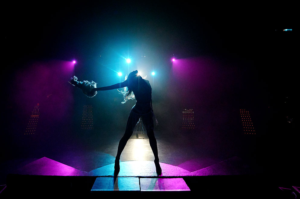 Photographing a Glamourous Vegas Dancer on Stage and Off from Nikon