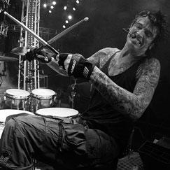 Tommy lee motley crue drumming